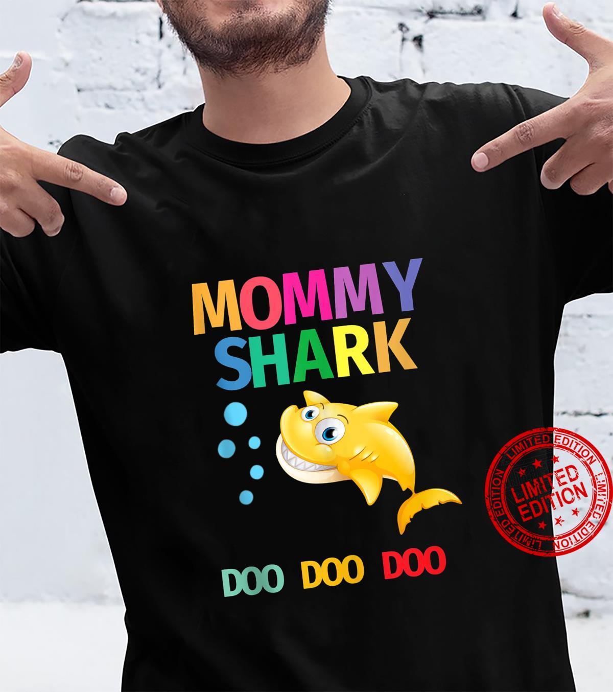 Cute Mommy Shark Doo Doo Doo Boy Girl Vintage Birthday Shirt