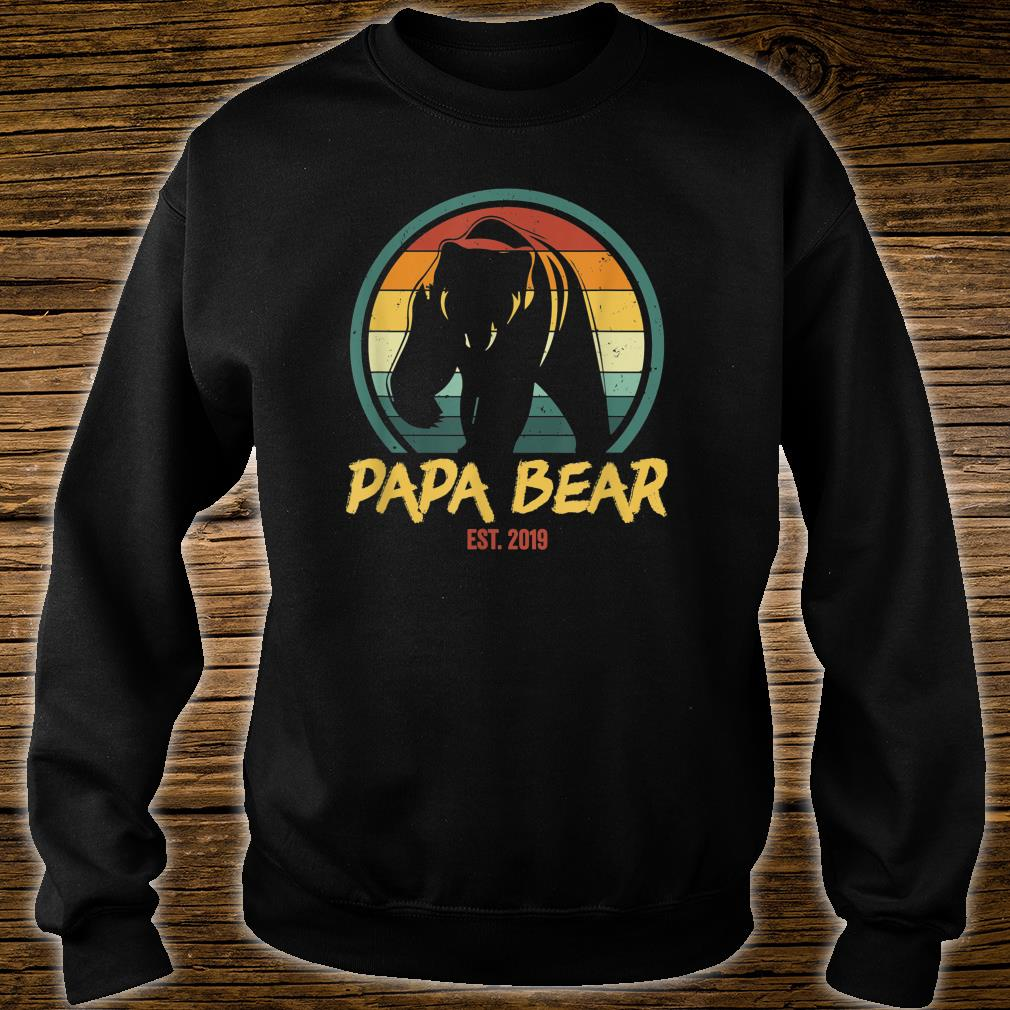 Mens Papa Bear Est. 2019 Promoted to New Papa Announcement Shirt sweater